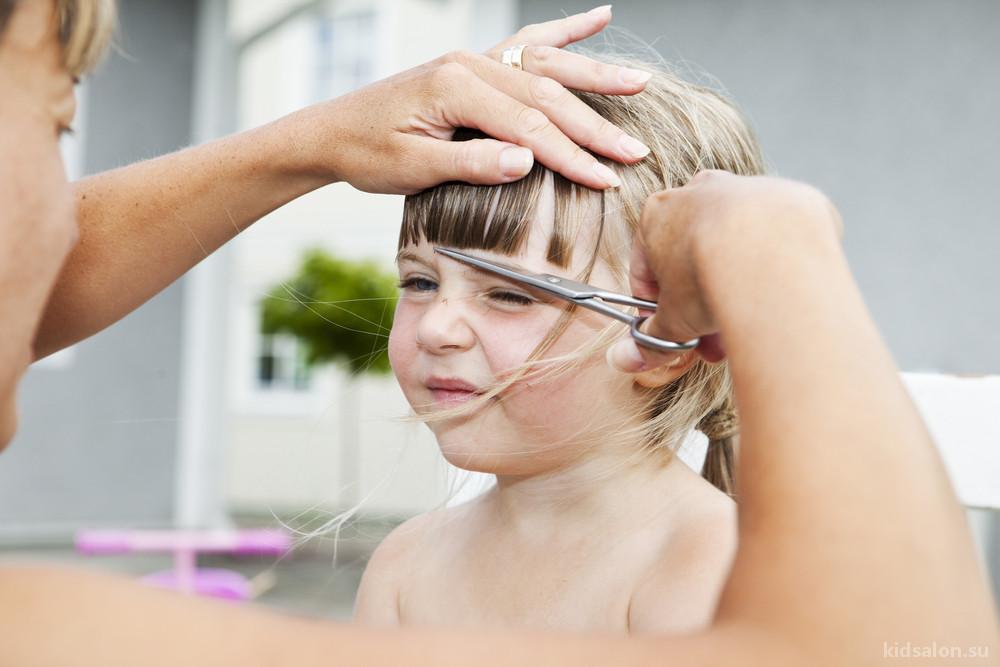 Как часто нужно стричь ребенку волосы?