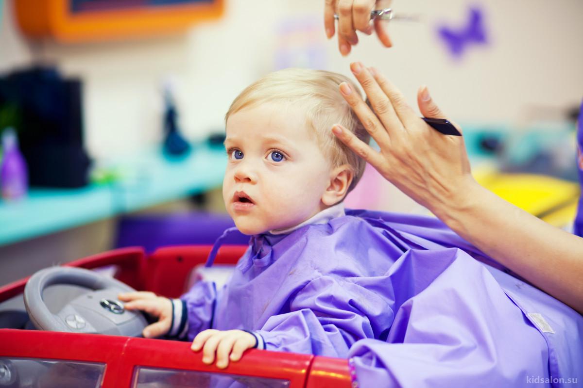 Стричь или не стричь – вот в чем вопрос! Мифы о детских волосах